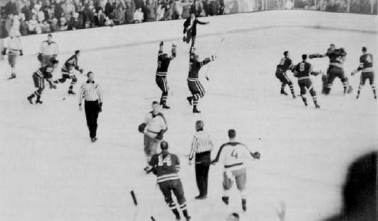Squaw-Valley-US-Russia-Final_Buzzer-1960.jpg
